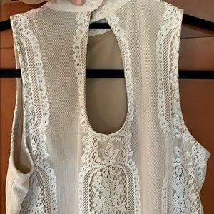 Dresses - Lace sleeveless dress